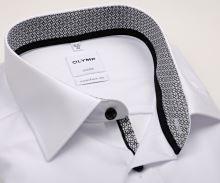 Olymp Luxor Comfort Fit – biela košeľa s čierno-bielym vnútorným golierom, manžetou a légou