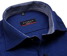 Eterna Modern Fit - tmavomodrá košeľa s jemnou štruktúrou a modro-bielym vnútorným golierom - predĺžený rukáv