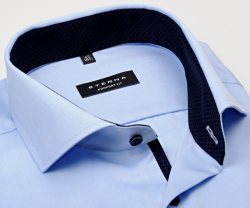Eterna Comfort Fit Twill Cover - luxusní světle modrá neprůhledná košile s tmavomodrým vnitřním límcem