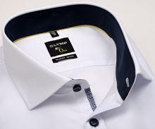 Olymp Super Slim – bílá košile s jemnou strukturou, modrým vnitřním límcem a manžetou